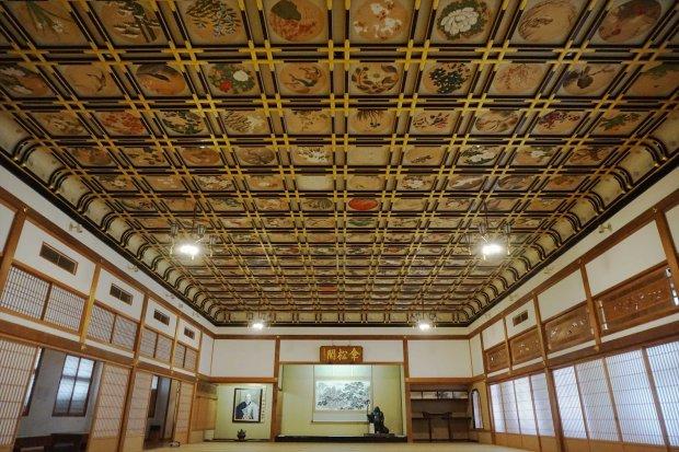 傘松閣「絵天井の間」
