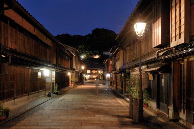 ひがし茶屋街        写真提供:石川県観光連盟