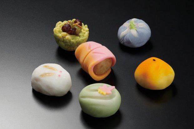上生菓子 写真提供:石川県観光連盟