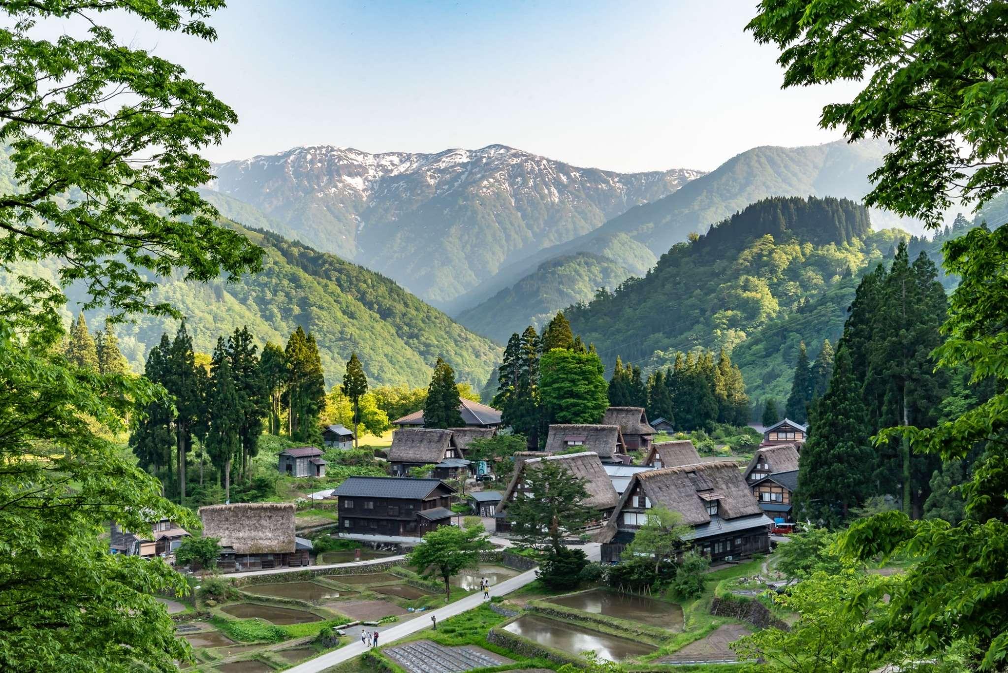 Gokayama(Suganuma/Ainokura Village)