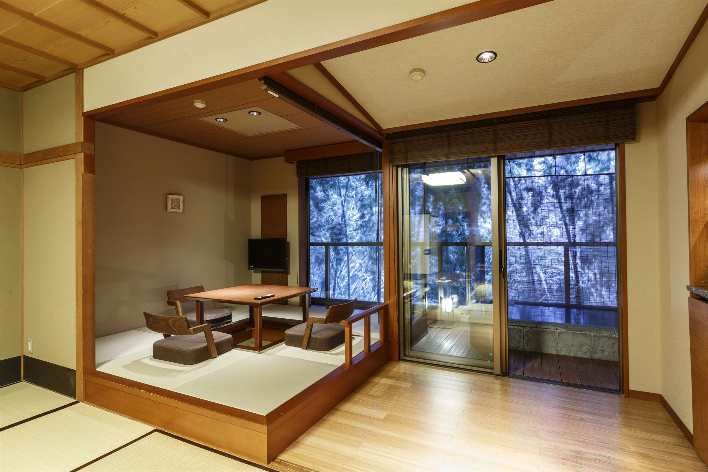Japanese Style Room with Outdoor Bath + Hori Kotatsu